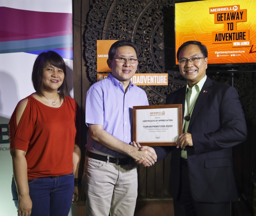 TPB_TPB receives award from Merrell_photo
